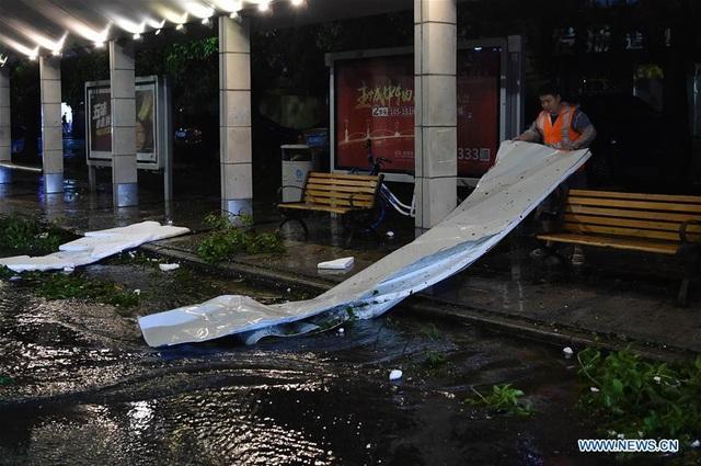 Khi đổ bộ vào thành phố ven biển Giang Môn ở tỉnh Quảng Đông, sức gió của bão Mangkhut lên tới 162 km/giờ. (Ảnh: Xinhua)