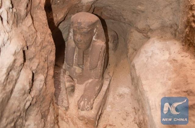Bức tượng vừa được các nhà khảo cổ Ai Cập tình cờ phát hiện ra