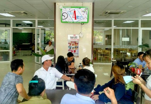 Bệnh nhân được cung cấp wifi miễn phí tại BV Đa khoa Trung ương Huế.