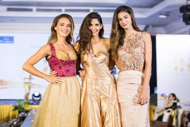 Hoa hậu Áo khoe trang phục truyền thống - 5