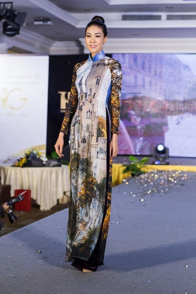 Hoa hậu Áo khoe trang phục truyền thống - 12