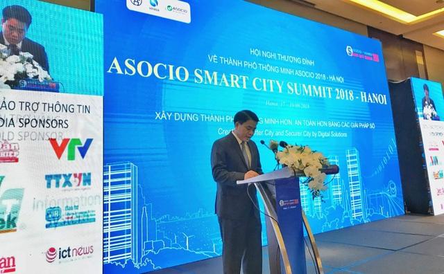 Ông Nguyễn Đức Chung, Chủ tịch UBND thành phố Hà Nội khẳng định việc chuyển đổi sang thành phố thông minh sẽ gặp rất nhiều khó khăn, thử thách.