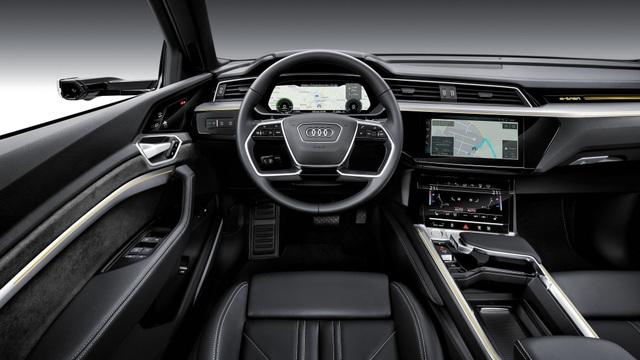 Audi e-tron SUV khuấy động phân khúc xe sang chạy điện - 11
