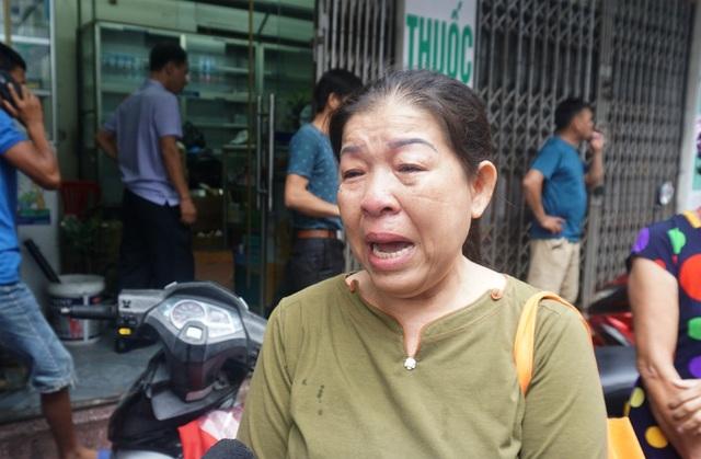 Bà Chính chia sẻ mất mát sau vụ cháy với phóng viên.
