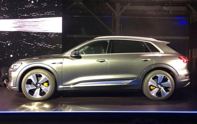 Audi e-tron SUV khuấy động phân khúc xe sang chạy điện - 1