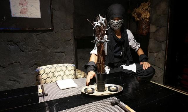 """Trải nghiệm ẩm thực độc đáo tại nhà hàng """"ninja"""" của Nhật Bản - 5"""