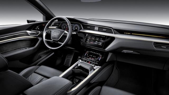 Audi e-tron SUV khuấy động phân khúc xe sang chạy điện - 5