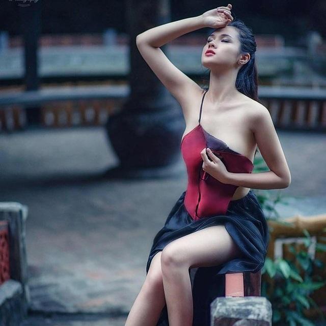 Hơn nữa, trước đó không lâu, Huyền Trang còn xuất hiện trên một chương trình hẹn hò.
