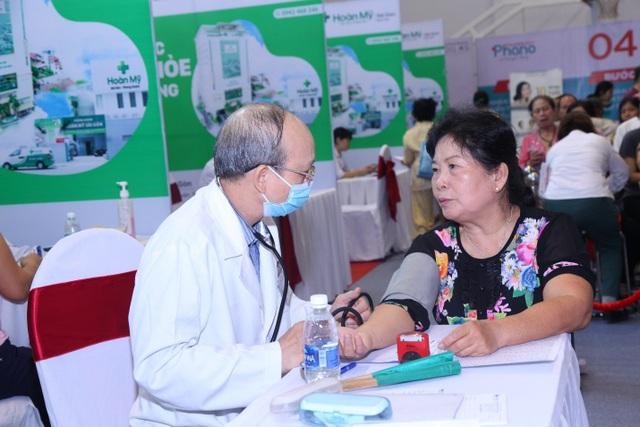Thăm khám sức khỏe miễn phí