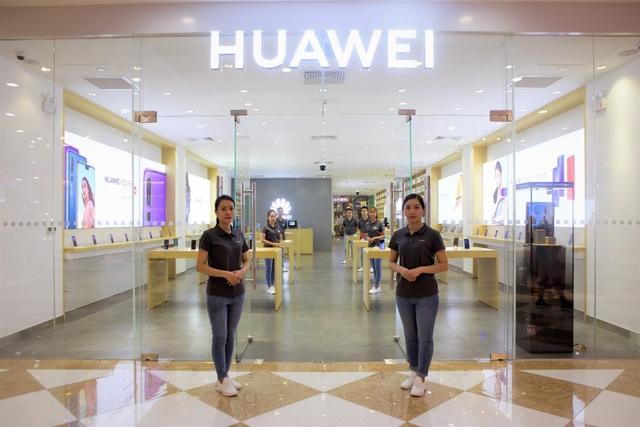 Việc mở Cửa hàng trải nghiệm tại Việt Nam cũng là một trong các chiến lược để Huawei tiếp cận thị trường Việt Nam tốt hơn
