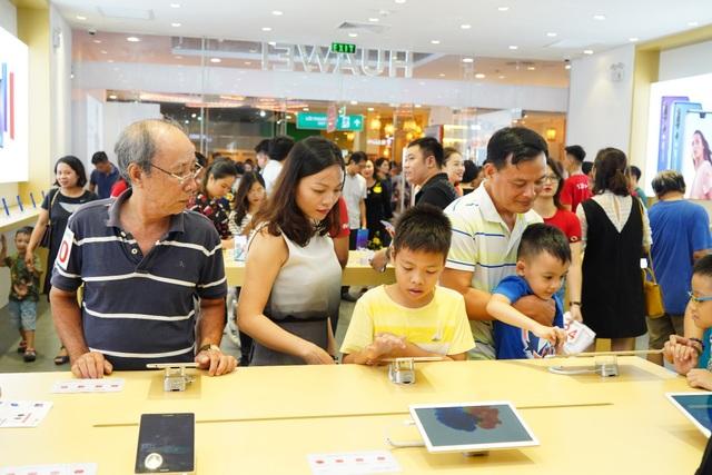 Với nhiều dòng sản phẩm và chiến lược tiếp cận thị trường đúng đắn, Huawei rất tự tin với mục tiêu top 2 thị trường smartphone Việt trước năm 2020