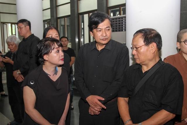 Mỗi lần nhắc đến đạo diễn Phạm Đông Hồng, NSND Quốc Anh lại không kìm được nước mắt.