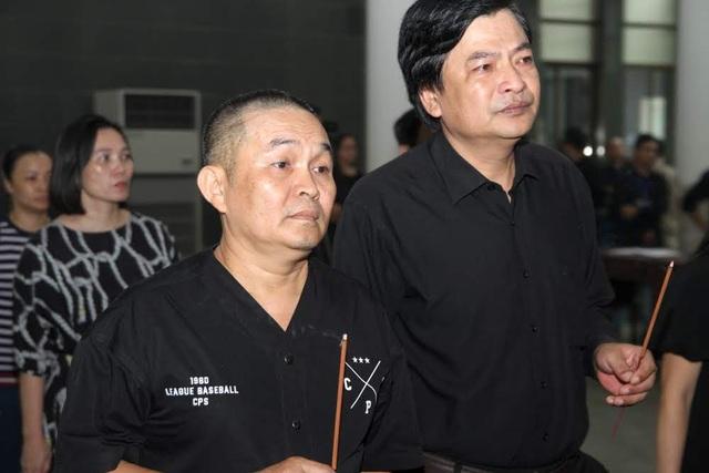Nghệ sĩ nghẹn ngào tiễn biệt đạo diễn Phạm Đông Hồng - 9