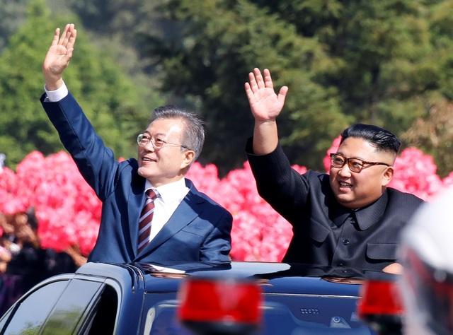 Tổng thống Hàn Quốc được người dân Triều Tiên nhiệt liệt chào đón trong chuyến thăm Bình Nhưỡng. (Ảnh: Reuters)