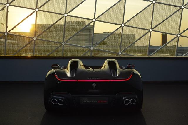 "Monza SP1 và Monza SP2 - ""Bùa ngải"" mới của Ferrari - 13"