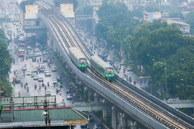 Đoàn tàu đường sắt Cát Linh - Hà Đông băng băng qua các nhà ga - 15