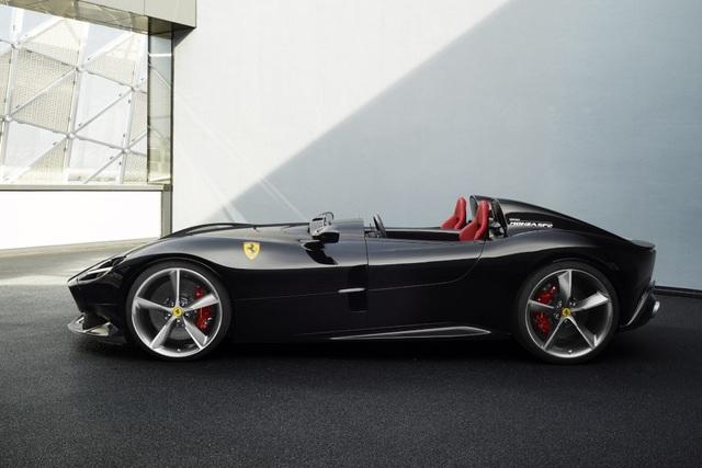 "Monza SP1 và Monza SP2 - ""Bùa ngải"" mới của Ferrari - 10"