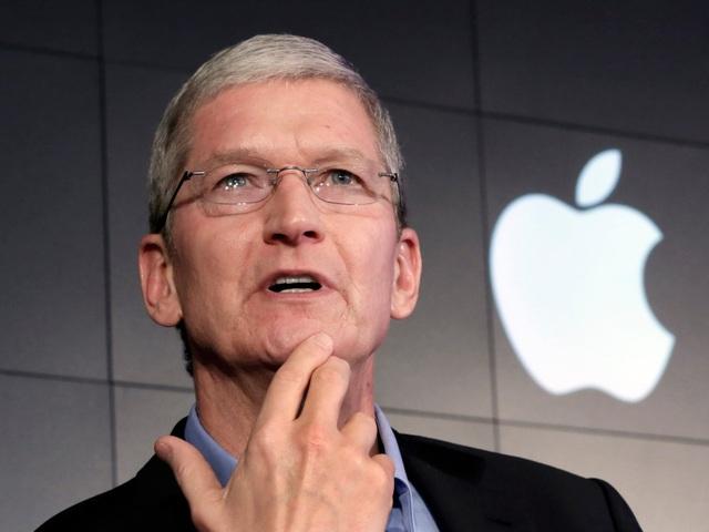 CEO Tim Cook vẫn khen iPhone mới là phù hợp với tất cả mọi người.