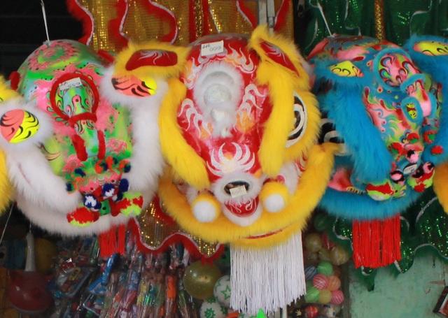 Sắc màu Tết Trung thu rực rỡ các phố chuyên doanh đồ chơi trẻ em ở Đà Nẵng