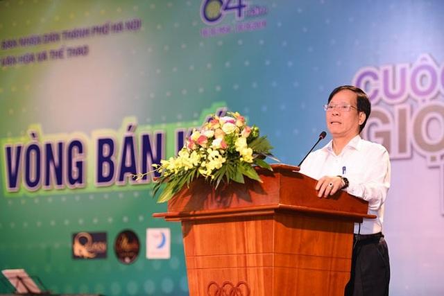 Ông Trương Minh Tiến, Phó Giám đốc Sở Văn hóa, Thể thao Hà Nội- Phó ban tổ chức (BTC) cuộc thi phát biểu khai mạc.