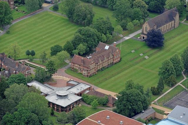 Khuôn viên quý tộc thường thấy của các trường nội trú