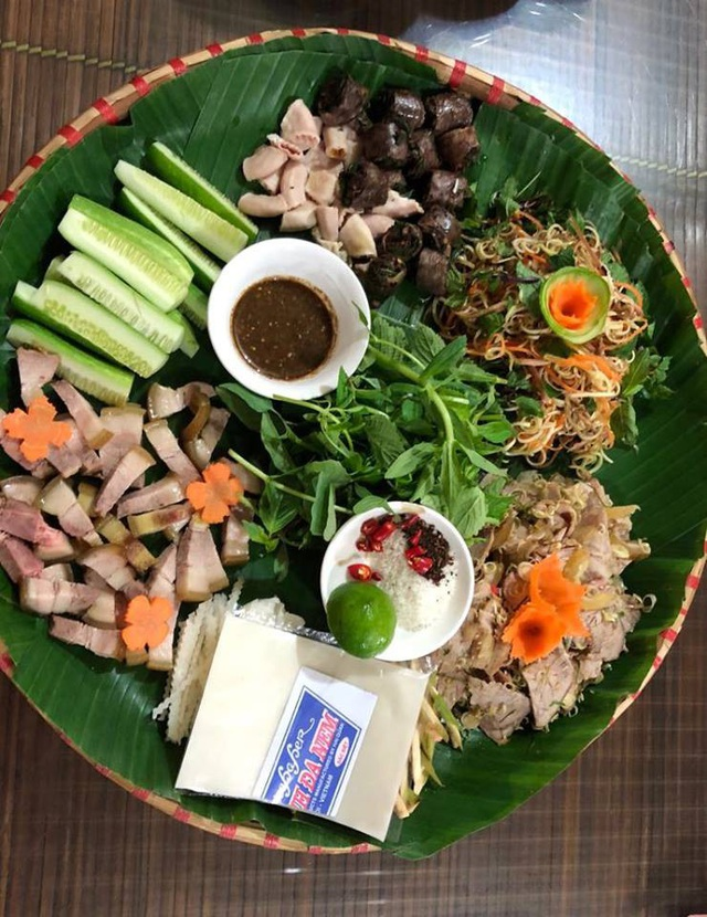 Người Việt có xu hướng thích ăn thịt hơn ăn rau xanh. Ảnh: H.Hải