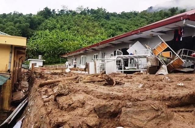 Các công trình công cộng cũng bị thiệt hại nặng nề