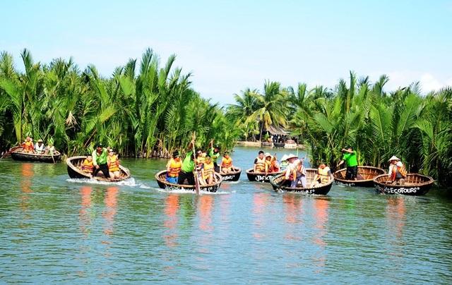Rừng dừa Bảy Mẫu thu hút khách