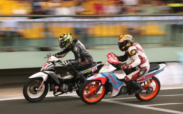 Sôi động giải đua xe mô tô toàn quốc 2018 - 7