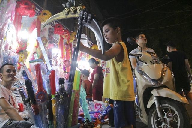 Chợ Trung thu phố cổ Hà Nội đông nghịt người - 14