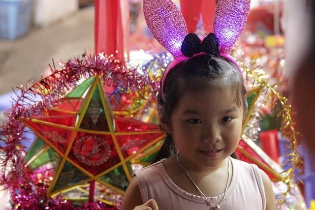 Chợ Trung thu phố cổ Hà Nội đông nghịt người - 9