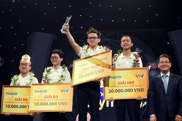 Hoàng Cường vừa giành chức vô địch cuộc thi Đường lên đỉnh Olympia năm thứ 18