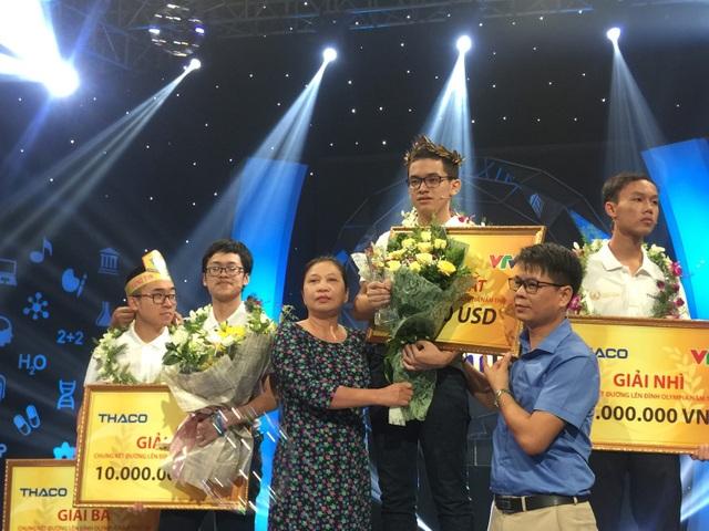 Gấp đôi điểm thí sinh thứ hai, Hoàng Cường vô địch Đường lên đỉnh Olympia 2018 - 2