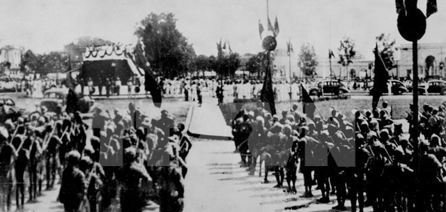 Ngày 2/9/1945, tại Quảng trường Ba đình, Hà Nội, Chủ tịch Hồ Chí Minh đọc bản Tuyên ngôn Độc lập khai sinh ra nước Việt Nam Dân chủ Cộng hòa. (Ảnh: Tư liệu TTXVN)