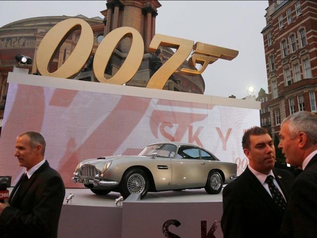 10 chiếc ô tô nổi tiếng nhất trên màn ảnh rộng - 9