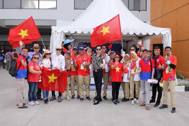 Hành trình của Olympic Việt Nam thực sự đã truyền cảm hứng cho tất cả người dân Việt Nam, Ngọc Sơn cảm thấy mình không thể dùng bất kỳ ngôn ngữ nào để diễn tả cho đủ tình yêu của mình dành cho những chàng trai áo đỏ.