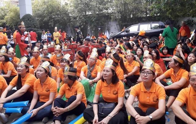 Thoáng lo âu của CĐV đầu cầu TPHCM khi Quang Trường không còn độc chiếm ngôi đầu sau vòng thi Tăng tốc.