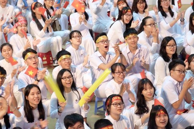 CĐV đầu cầu Đà Nẵng phấn khích khi Quang Nhật khởi đầu khá tốt