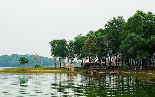 Khu vực cắm trại, nghỉ ngơi tại hồ Đồng Mô