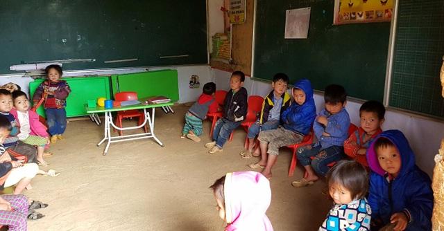 Lớp học nhỏ với 15 học sinh từ 4 đến 5 tuổi.