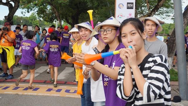 Sôi động giải bán marathon lần đầu tổ chức tại Huế - 5