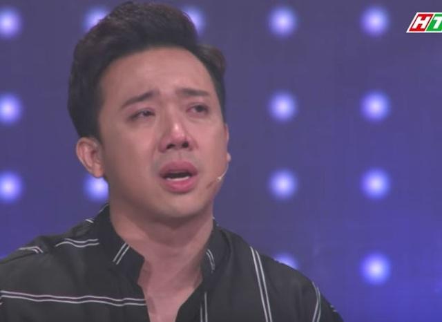 Trấn Thành khóc khi chia sẻ về hoàn cảnh riêng của ca sĩ Hồng Ngọc.