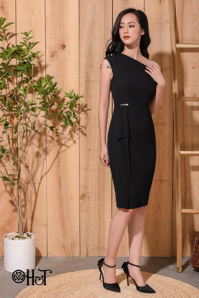 Nếu các nàng đang tìm kiếm một chiếc váy đi tiệc buổi tối thì mẫu váy body trễ vai sẽ là một lựa chọn phù hợp, đủ khiến phái đẹp trở nên nổi bật và lộng lẫy hơn.