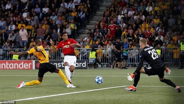 Martial giúp Man Utd có bàn thắng thứ ba ở phút 67