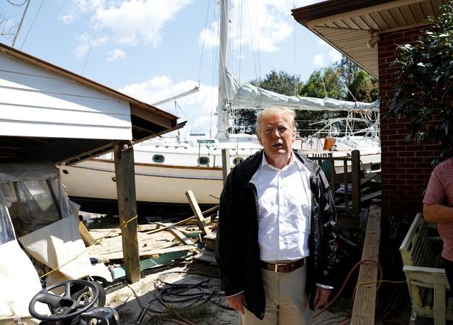 """Tổng thống Mỹ đã dành lời khen cho những nỗ lực của lực lượng cứu hộ trong việc ứng phó với bão Florence, mô tả công việc của họ là """"phi thường""""."""