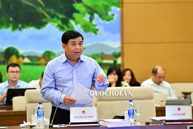 Bộ trưởng Nguyễn Chí Dũng là người thay mặt Chính phủ trình luật
