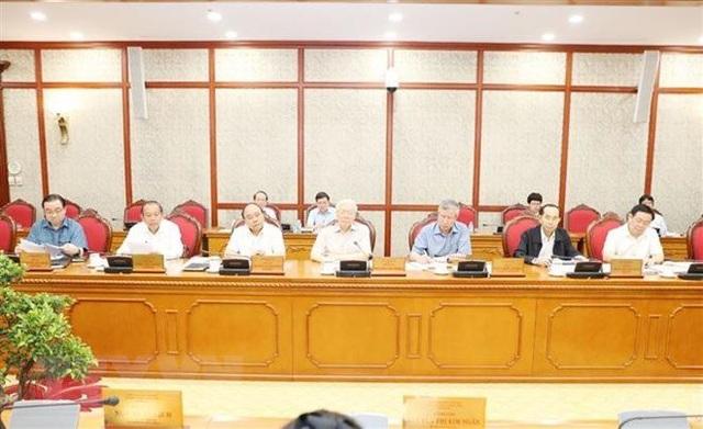 Bộ Chính trị họp cho ý kiến về các đề án chuẩn bị trình Hội nghị TW 8 - 1