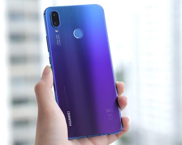 Huawei Nova 3i với thiết kế gradient độc đáo đã mang lại làn gió mới trong phân khúc tầm trung