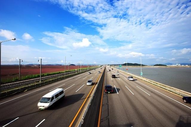 Cao tốc dẫn từ sân bay quốc tế Incheon. Ảnh: www.macquarie.com