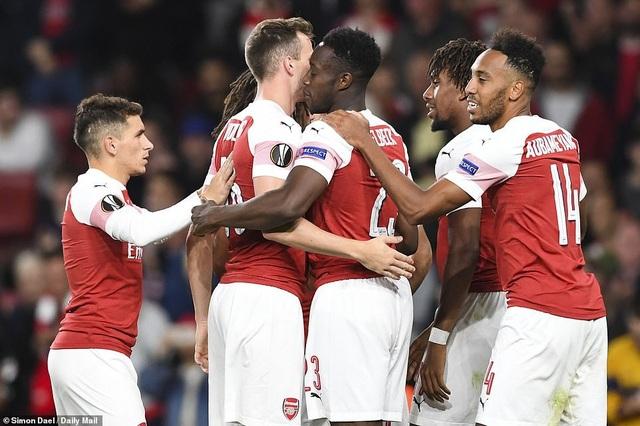 Arsenal thắng tưng bừng trong ngày ra quân ở Europa League trước Vorskla